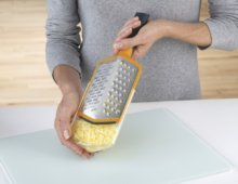 20016 Twist Grater Cheese