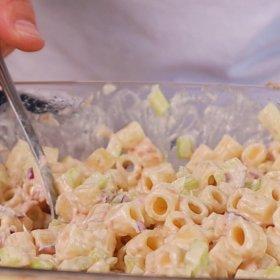 Salata cu ton, țelină și maioneză